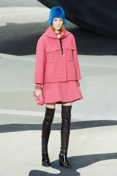 Pretty in bubblegum pink - Chanel Fall 2013 #runway #fashionweek