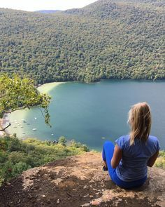 Stunning Hiking Trail Near Ontario (in Vermont) Will Make You Feel Like You're In An Ancient Rainforest - Narcity Places To Travel, Places To See, Toronto, Ontario Travel, Summer Vacation Spots, Hiking Tips, Backpacking Tips, Lake George, Travel Design