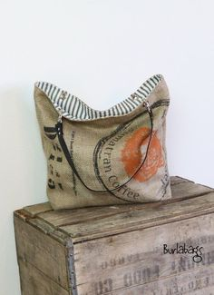 Eco Friendly Burlap Coffee Sack Classic Tote : by Burlabags - Etsy --- Unavailable: links to Similar bags Burlap Coffee Bags, Coffee Bean Bags, Coffee Sacks, Burlap Sacks, Hessian Bags, Burlap Projects, Sack Bag, Bag Making, Purses And Bags