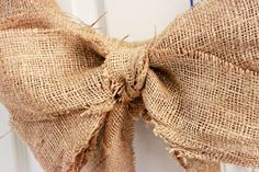 how to make a burlap bow/wreath