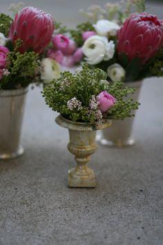 itty bitty urn arrangement - Carter & Cook Event Company Blog