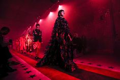 Gucci Spring 2017 Ready-to-Wear Atmosphere and Candid Photos - Vogue