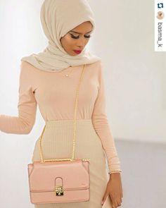 #HijabiStyle look of the day! Pretty in Peavh ;) @basma_k #hijabqueen ・・・ N E U T R A L S Bag - @florianlondonuk