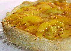 ¿Te gusta preparar tartas de fruta? Esta se convertirá en una de tus preferidas!!! #Tatín_de_melocotón #recetas #postres #melocotones