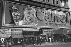 Camel cigarette billboard featuring open mouthed aviator that blows out real smoke rings, on Broadway & Street - 1944 - Photographer: Peter Stackpole - LIFE Magazine Archive. David Hockney, Mind Blowing Pictures, New York Pictures, Broadway Nyc, Guys And Dolls, Vintage New York, I Love Ny, Vintage Pictures, Frankfurt
