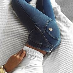Looking for the perfect denim? Cosy Outfit, Dramatic Classic, Ariana G, Live Girls, Daiquiri, Sexy Jeans, Hot Girls, Denim, My Style