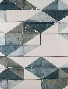 Handgemaakte keramiek tegels door Marianne Smink   By Mölle   slow living