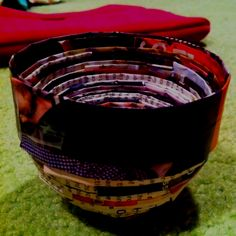 Cute little bowl! Recycling old magazines