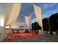 Swimming pool area, great for an outdoor reception!