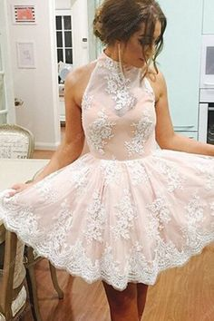 139.00$ Watch here - http://vivao.justgood.pw/vig/item.php?t=hgg4t9k19320 - Light Pink Halter Lace Embellished Keyhole Back Short Homecoming Dress