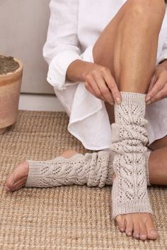 Yoga socks knitted with lace knit from Novita Nalle yarn have an open toe and heel. Lace Knitting, Knitting Socks, Knitted Hats, Knit Crochet, Knit Socks, Free Crochet, Knitting Designs, Knitting Patterns Free, Knit Patterns