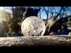 Mira el momento exacto en el que se congela una burbuja - Curiosidades «http://rw.web.ve/1GWQBSQ»