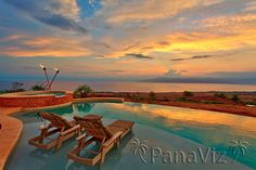 A very brief sunset.  Maui Real Estate Photography http://www.resort-virtual-tour.com