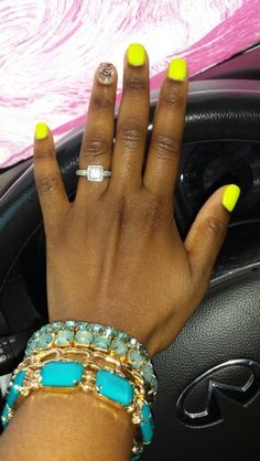 I love this nail color!