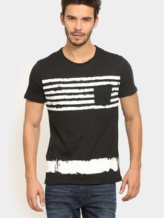Team this T-shirt with a pair of denims and casual shoes for a day at college. Add on a pair of sunglasses and carry a backpack to complete the look.