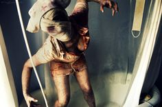 25+ Shocking Horror and Macabre Photography
