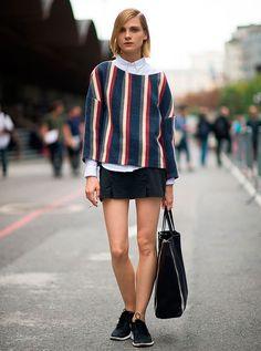 street style mini saia camisa branca moletom