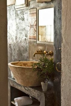 61 Magnificent Rustic Interior with Italian Tuscan Style Decorations - Page 53 of 62 Italian Country Decor, Italian Cottage, Italian Farmhouse Decor, Italian Style Home, Italian Home Decor, Italian Interior Design, Tuscan Bathroom, Italian Bathroom, Tuscan Style Homes