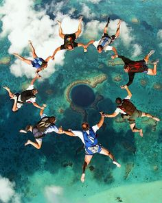 Skydiving over The Great Blue Hole, Belize - PHOTOS