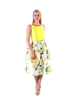 Coordinado Crop Top  amarillo  y falda flores