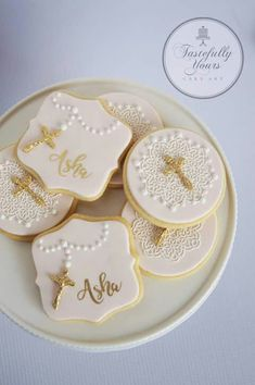 157 Best baptism cookies images in 2019 Bolo Tumblr, Cake Paris, Christening Cookies, Baptism Party Decorations, First Holy Communion Cake, Cookie Designs, Cookie Decorating, Baptism Cake Pops, Harry Potter