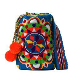 Tienda online de Bolsos Wayuu étnicos y artesanales en Madrid |Full Moonrise Fabric Drawing, Fabric Art, Handmade Handbags, Cotton Bag, Classy And Fabulous, Fashion Backpack, Purses And Bags, Coin Purse, Weaving