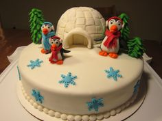Fondant cake with igloo and pinguin