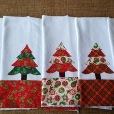 Pano de prato aplicação Natal - sino no Elo7 | Mabel Ateliê (817FBE) Christmas Crafts To Sell, Christmas Sewing Projects, Homemade Christmas Gifts, Crafts To Make, Christmas Decorations, Christmas Kitchen Towels, Towel Crafts, Christmas Applique, Crochet Home Decor