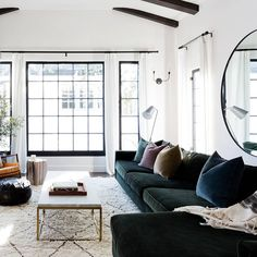 cozy living room Bold, luxe, and irrefutably sexy, a green velvet sofa a bold statement piece. Read on to shop our editor-approved picks for the best green velvet sofas. Condo Living Room, Living Room Green, Cozy Living Rooms, Interior Design Living Room, Living Room Designs, Living Room Decor, Kitchen Interior, Green Velvet Sofa, Velvet Room
