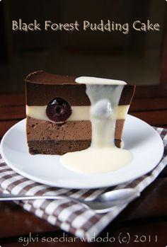 Uplek-uplek di Dapur: BLACK FORREST PUDDING CAKE Pudding Sauce, Oreo Pudding, Chocolate Pudding Recipes, Pudding Desserts, Puding Cake, Resep Cake, Easy Cake Recipes, Sweet Recipes, Dessert Recipes