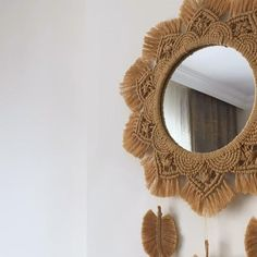 Macrame Mirror, Macrame Wall Hanging Diy, Macrame Art, Macrame Projects, Diy Mirror, Micro Macrame, Diy Crafts For Home Decor, Diy Crafts Hacks, Diy Crafts For Gifts