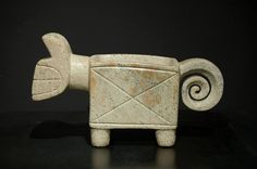 Feline Mortar - Chorrera-Valdivia Culture - Ecuador 1100 - 300 BC Serpentine - William Siegal Gallery