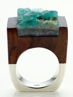 Wood Emerald Ring - Love | Pasionae