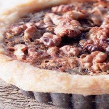 Cynthia Barcomi Shop :: Frischen Walnut Pie zuhause genießen! Jetzt im Online Shop bestellen.