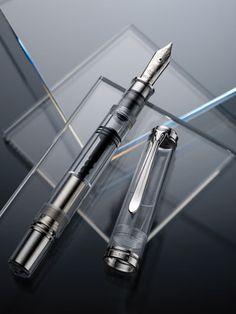 New Pelikan M1000 clear demo fountain pen - the latest in the Souveran line