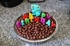 doggy bowl birthday cake chocolate cake with cocoa puffs / paw patrol party