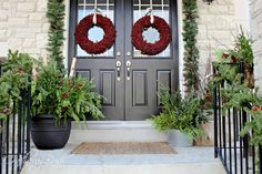 Craftberry Bush: The Front Porch (and helping Christmas Evergreens last longer) #12daysofChristmas