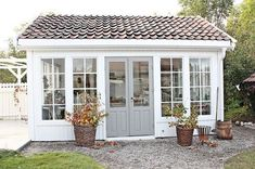 Are you looking garden shed plans? I have here few tips and suggestions on how to create the perfect garden shed plans for you. Shed Office, Backyard Office, Backyard Studio, Backyard Sheds, Garden Studio, Backyard Landscaping, Backyard Cottage, Garden Sheds, Backyard House