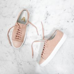 Axel Arigato nude cap-toe sneaker made in suede mixed with leather #axelarigato #phashion365magazine #phashion365 phashion.365 Magazine Inspire. Fashion. Daily.