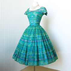 LOVELY vintage 1950's cocktail party pin-up dress