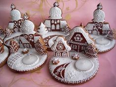 Discussion on LiveInternet - The Russian Online Diaries Service Christmas Gingerbread House, Christmas Mood, Christmas Goodies, Christmas Treats, Gingerbread Cookies, Royal Icing Cookies, Cupcake Cookies, Sugar Cookies, Cinnamon Ornaments
