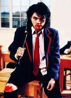 I'm not okay- My Chemical Romance- Gerard Way Gerard Way, Mikey Way, Frank Iero, Emo Bands, Music Bands, Punk Rock, Pelo Emo, Sweet Revenge, Black Parade