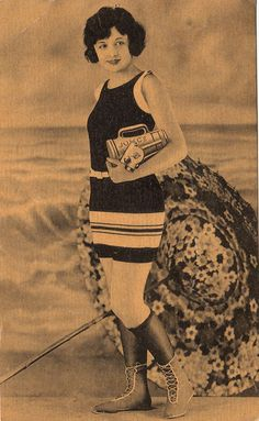 Free Vintage Clip Art - Bathing Beauty - The Graphics Fairy