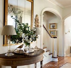 Fabulous Foyers and Entrance Ways - The Cottage Market Looking for some ideas for your foyer or entrance way.here is a collection of Fabulous Foyers and Entrance Ways to inspire you! Entrance Foyer, Entrance Ways, Entryway Decor, Entryway Ideas, Hallway Ideas, Design Entrée, Home Design, Traditional Decor, Traditional House