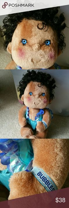 1980's Hugga Bunch Kenner Plush Soft Babies I ACCEPT OFFERS! I NEVER DECLINE OFFERS! I ACCEPT OR COUNTER ONLY!   1985 Huggins Doll.....  Hugga Bunch Kenner Plush Soft Babies... Vintage Collectable Babies  Name: Bubbles  18 inches  Black Hair and Blue eyes  Wearing original clothing Other