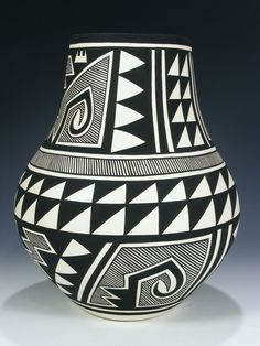 Traditional Acoma pottery is made using a slate-like clay found within the hills surrounding the Pueblo. When fired using traditional methods, this clay allo. Ceramic Pottery, Pottery Art, Ceramic Art, Southwest Pottery, Southwest Art, Native American Design, Native American Pottery, Pueblo Pottery, Keramik Vase