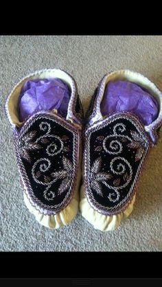 Women's raised beadwork haudenosaunee style moccasins