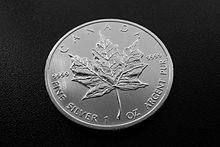 """""""Der kanadische Maple Leaf, bezeichnet nach dem englischen Begriff für das charakteristische Blatt des Zucker-Ahorns, ist die nach dem Krügerrand wohl verbreitetste Anlagemünze. Sie wird seit 1979 geprägt."""""""