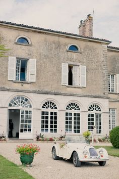 French Countryside Wedding by Mademoiselle Fiona Wedding Photography Countryside Wedding, French Countryside, Porches, Villa, Curb Appeal, Exterior Design, My House, Beautiful Homes, Facade