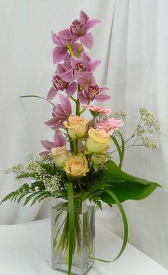 Orchid Flower Arrangements, Church Flower Arrangements, Beautiful Flower Arrangements, Floral Bouquets, Flower Vases, Beautiful Flowers, Orchid Flowers, Deco Table, Artificial Flowers
